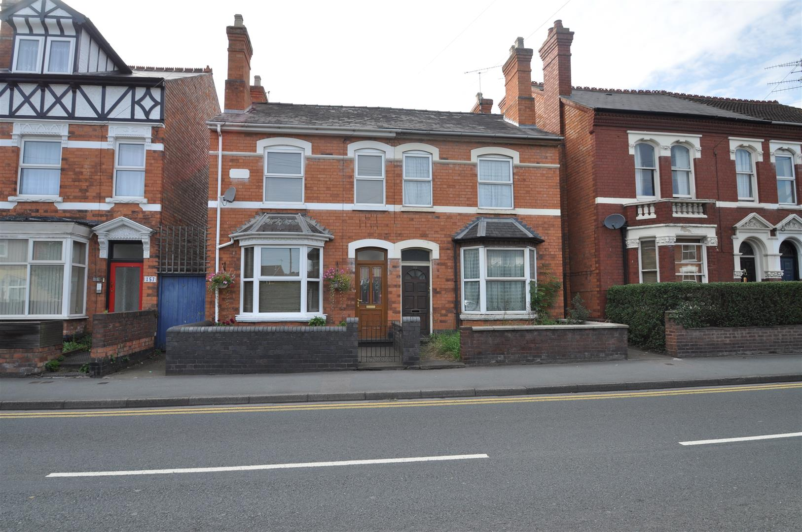 2 Bedrooms Semi Detached House for sale in Ombersley Road, Worcester